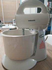 Hand-free Cookworks Mixer