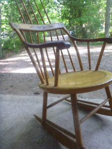 Rocking Chair, Windsor,  Back Comb early 1800's