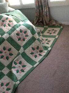 HAND QUILTED BED QUILT NEVER USED Kitchener / Waterloo Kitchener Area image 2