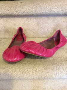 Fuchsia Zara patent leather look ballerina flats size 38 West Island Greater Montréal image 1