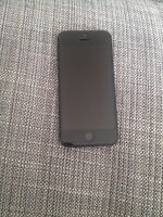 iPhone 5 noir 16G comme neuf (Bell)