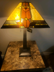 GENUINE HANDCRAFTED TIFFANY-STYLED STAINED GLASS LAMP