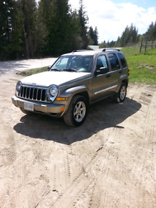 Jeep liberty limited only 134km. Clean clean