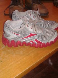 Boys sz 11 1/2  Reebok shoes
