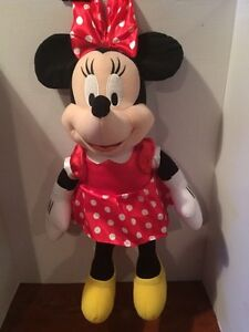 "20""MINNIE MOUSE PLUSH TOY(BRAND NEW)"
