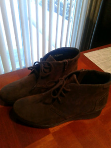BRAND NEW CLARKS SHOES