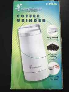 BRAND NEW Coffee Grinder/NOUVEAU moulin à café