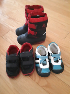 Toddler boys shoes and snow boots ( size 8-9)