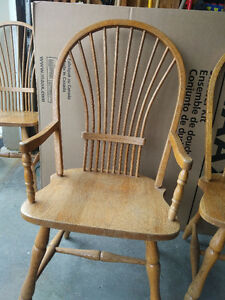 Solid Oak Dining Table and Chairs Kitchener / Waterloo Kitchener Area image 4