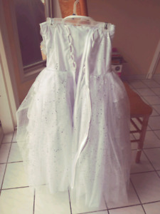 Used Girls Evening/Pageant White Gown