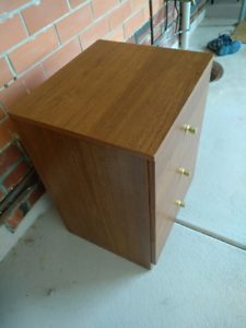 Side table for sale Para Hills Salisbury Area Preview