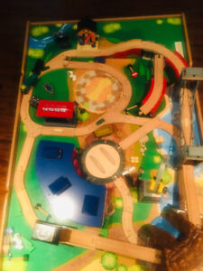 Train set and table in great condition