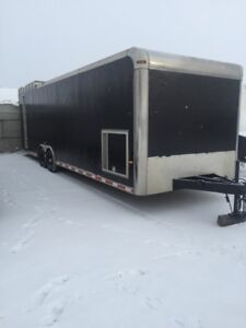 2005 enclosed car hauler / race trailer