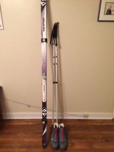 Ladies salomon xcountry skis, bindings, poles and size 9.5 boots
