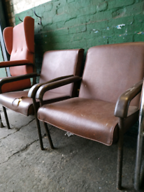 2 twin vintage chairs - Free