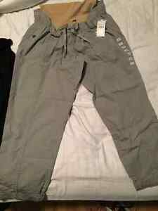 Brand New with Tags Women's Maternity Pants/Crops