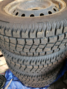 Avalanche Extreme Winter Tires 215/70R/16