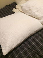 Amity Home White Pillows & Cuddledown Inserts