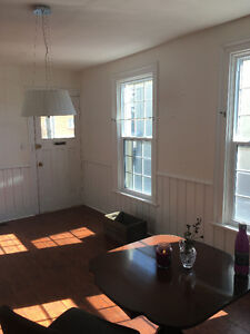 *******BEAUTIFUL HOME FOR RENT IN THOROLD*****