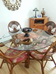 Table, meuble d'appoint pour salle à manger Saguenay Saguenay-Lac-Saint-Jean image 1