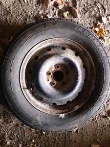5 bolt 225/60 r16 London Ontario image 1