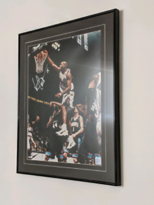 Vince Carter Raptors signed 16x20 photo Rookie Year.