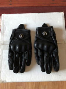 icon motorcycle gloves,mens small-medium,paid ,120$