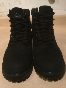 Women's WindRiver Insulated Boots Size 8 London Ontario image 2