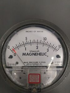 Dwyer Magnehelic Differential Pressure Gauge