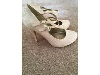 Size 5 ivory lace bridal shoes