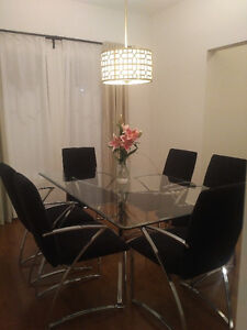 Modern Glass Dining Table with 6 Chairs Kitchener / Waterloo Kitchener Area image 7