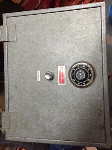 Wall Mount Safe For Sale - Fire Insulated, Burglary Resistive