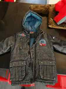 manteau CARS garcon taille 3 ans BE