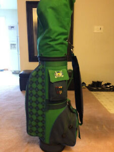 Warner Bros. Golf Bag with full set of golf clubs
