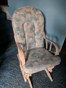 Selling Rocking Chair