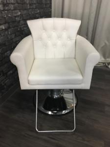 White Hydraulic Salon Chair