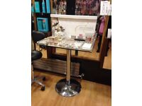 Jane Iredale make up stand