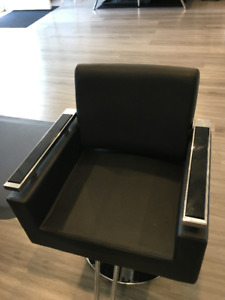 Hydraulic Hair Styling Chairs NEW CONDITION!!