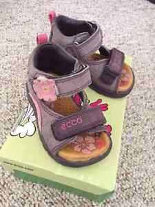 Toddler Girls Ecco Sandals Size 4