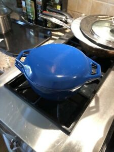 Classic Dutch enamelled cast iron oven