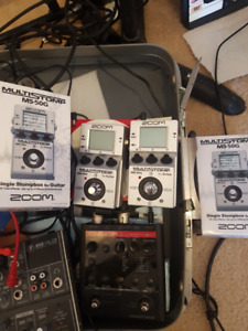2 Zoom MS50G multi effects pedals