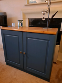 Solid pine wood sideboard cabinet like New possible delivery