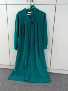 Ladies velour robe