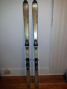 Skis paraboliques 158 cm avec bâtons