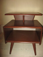 End Table / Table d'appoint
