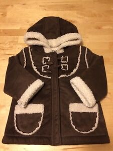 Old Navy Girls Fall / Winter Jacket size 2 T Gatineau Ottawa / Gatineau Area image 1