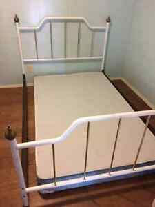 Double size bed and mattress