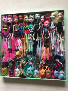 Monster High Dolls, A Big Collection