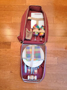 2 Person 17 Piece Picnic Back Pack