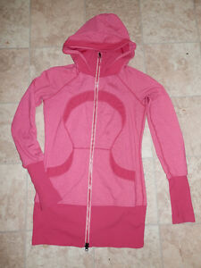 6 Lululemon jackets and hoodies